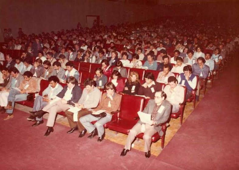 Assembleia geral de fundação da ASAE no auditório da PUC em 1984